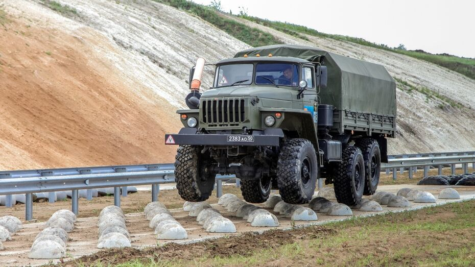 Военные водители из Воронежской области стали лучшими на всеармейском этапе АрМИ-2017