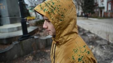 Очевидцы: «Участников воронежского митинга памяти Немцова забросали яйцами»