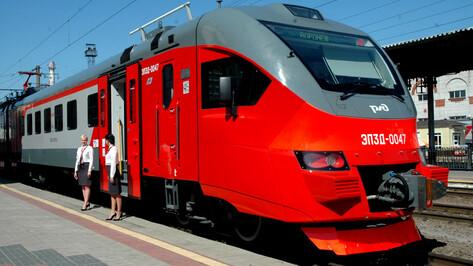 В Воронеже показали электричку с кондиционером и видеонаблюдением в вагонах