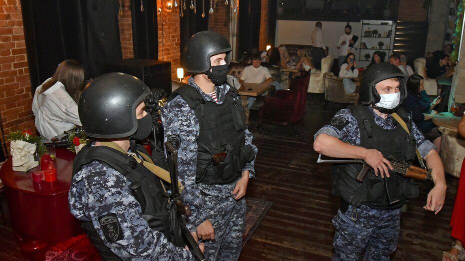 Шесть воронежских баров попались на несоблюдении масочного режима