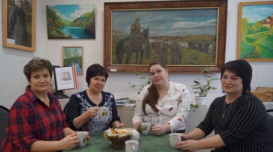 Передачу «Ах, какая женщина» к 8 Марта подготовил хохольский музей «Мастера»