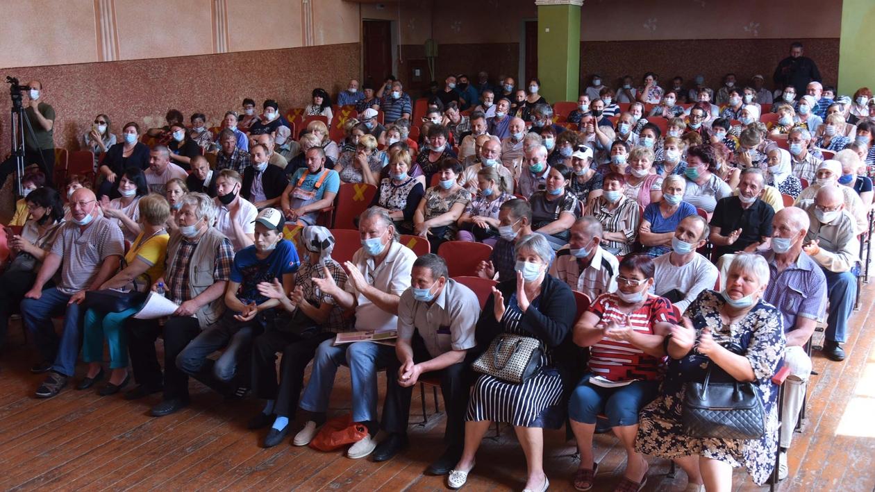 Рабочие места и благоустройство. Жители Осетровки поддержали строительство свинокомплекса