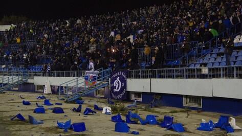Фаеры, драка и гол на 90 минуте: как воронежский «Факел» победил «Динамо»