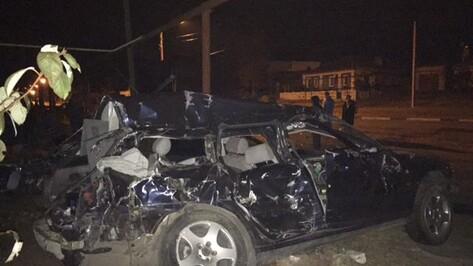 В Воронеже Audi врезалась в «МАЗ»: погибли трое