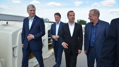 На воронежском предприятии Дмитрий Медведев продемонстрировал отличную память на цены