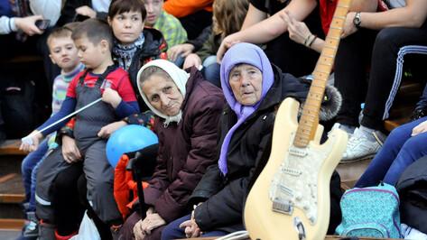 Для молодых и пожилых. Как в Воронежской области реализуют нацпроект «Демография»