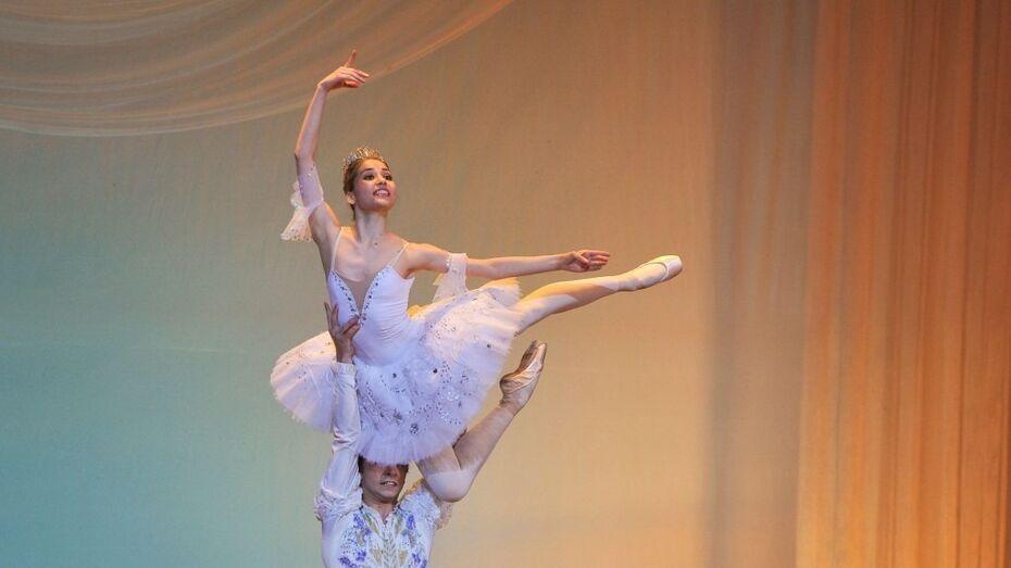 Танцовщики Большого и Мариинского театров выступят на фестивале в Воронеже