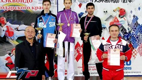 На чемпионате России по тхэквондо 3 воронежских спортсмена взяли медали