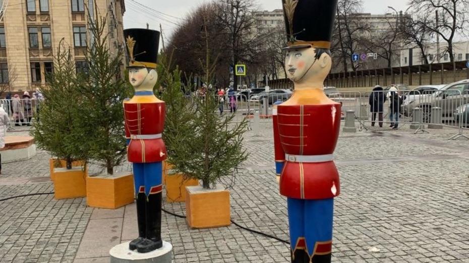 Воронежцы показали последствия праздника на площади Ленина