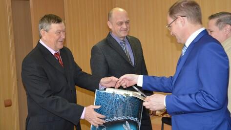 Поворинские ветераны МЧС получили поздравления со Всемирным днем гражданской обороны