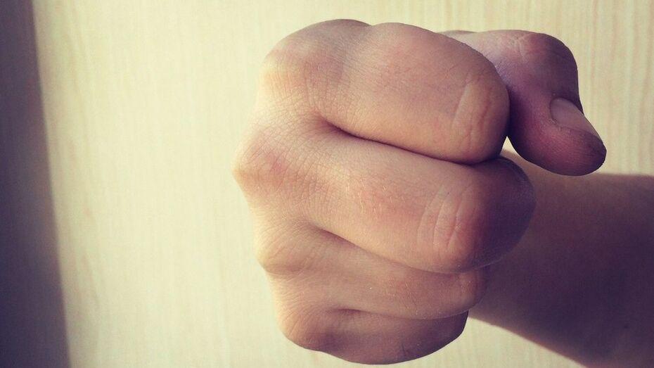 Лискинцы отметили День защитника Отечества семейными ссорами