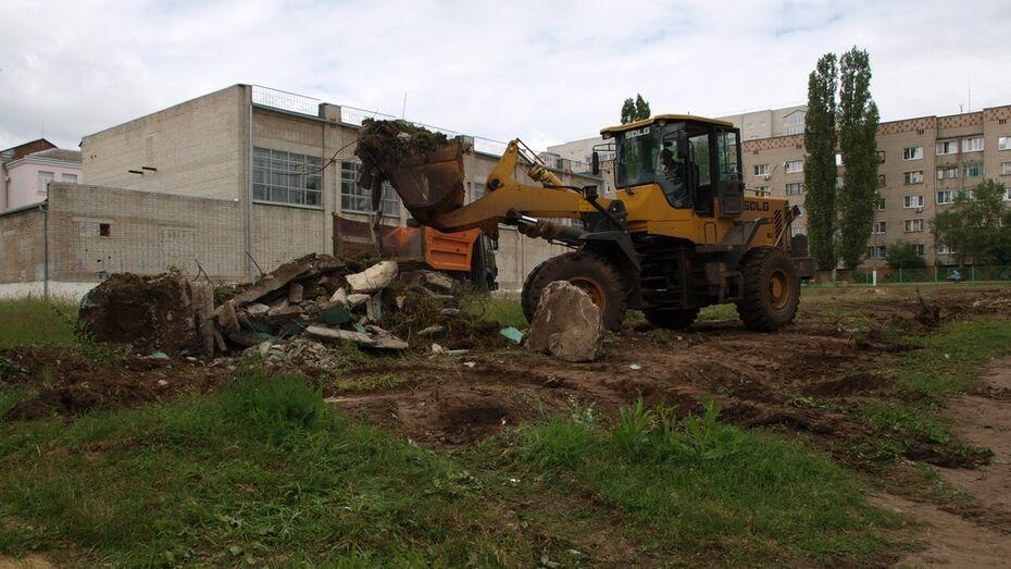 В Семилукской школе появится новый мини-стадион