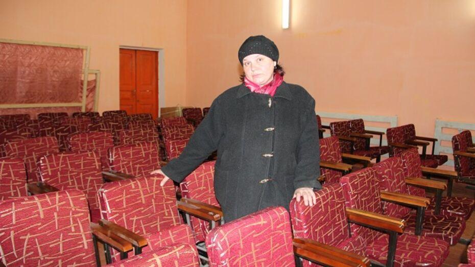 Директор дома культуры в новоусманском селе собирает доярок для ансамбля