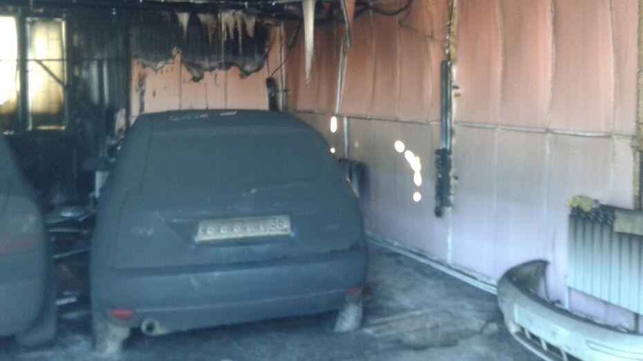 На автомойке в Кантемировском районе едва не сгорели две иномарки