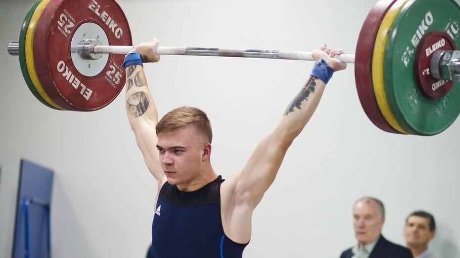 Лискинские тяжелоатлеты завоевали 2 место на чемпионате области