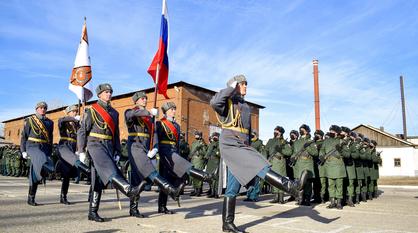 Бригаде материально-технического обеспечения ЗВО в Лисках вручили Боевое знамя
