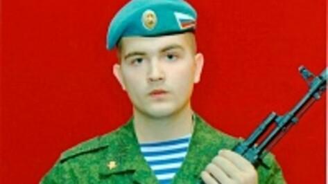 Павловчанина, несущего службу в десантных войсках, отметило военное руководство