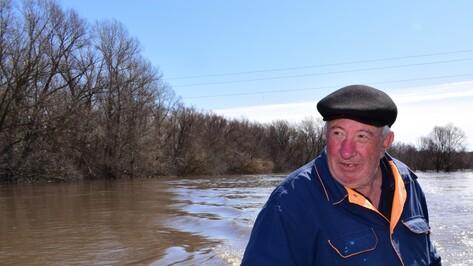«Боялся, что утонут». Как пенсионер спасал летчиков упавшего в Воронежской области Як-130