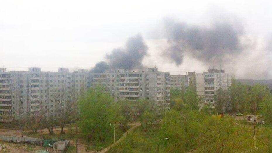 Воронежцев испугал черный дым на левом берегу