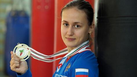 Воронежская спортсменка попала в топ самых красивых боксерш России