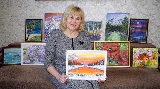 Лискинцев пригласили на онлайн-выставку картин местной художницы