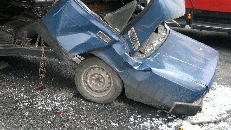 Водитель «семерки» погиб после ДТП на 666 км трассы М4 в Воронежской области