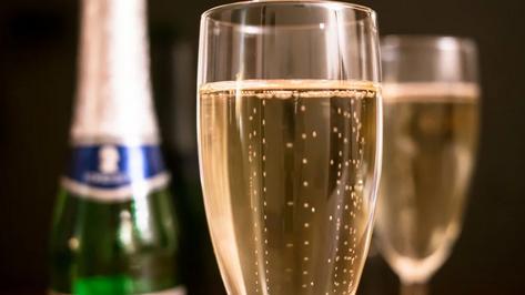 Воронежская область оказалась в середине рейтинга популярности шампанского в Новый год