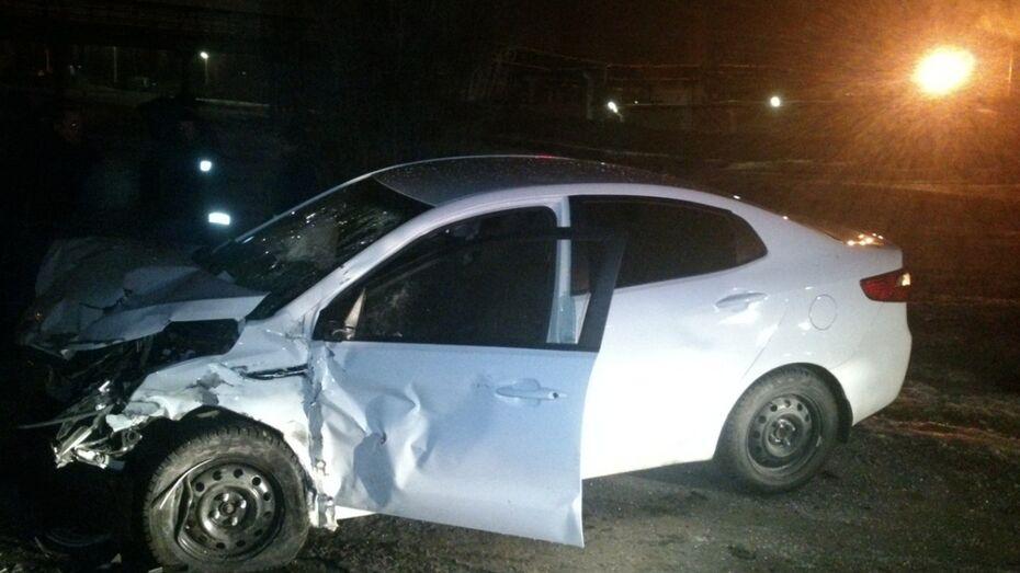 В Воронеже погибла девушка при столкновении Hyundai и Kia