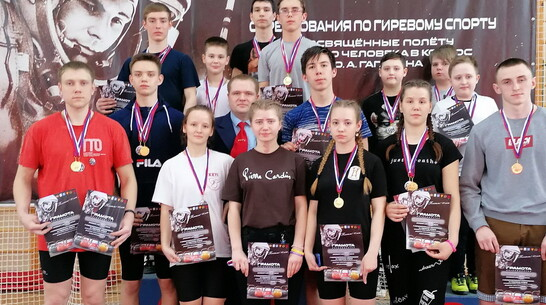 Бобровские гиревики привезли 10 золотых медалей с открытого первенства в Борисоглебске