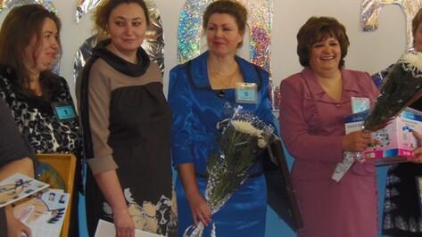 Елена Иванова из Верхнемамонского лицея объявлена «Учителем года-2013»