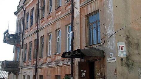 В Воронеже нашли похищенные с памятника архитектуры 100-летние чугунные решетки