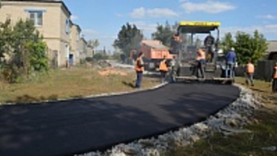 В поселке Нижнедевицк двор многоквартирных домов благоустроят за 700 тысяч рублей