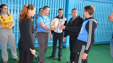 Россошанских педагогов научили играть в регби