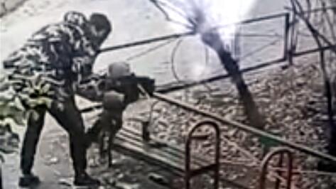 Отчим несколько месяцев истязал 2-летнего малыша в Воронеже