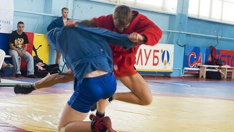 Таловские самбисты победили сразу на четырех турнирах