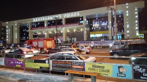 В Воронеже из-за сообщения о бомбе эвакуировали посетителей Центрального рынка