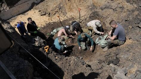Воронежские поисковики узнают имя еще одного погибшего в концлагере под Каменкой