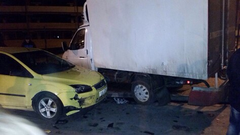 Полиция: разбивший 13 машин в Воронеже автомобилист был пьян