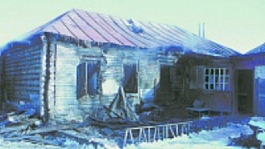 В Таловском районе на пожаре погибли два человека