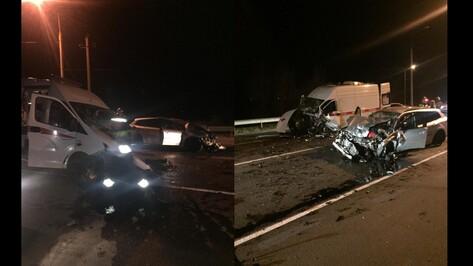 В Воронежской области 5 человек пострадали в ДТП с автомобилем скорой медицинской помощи