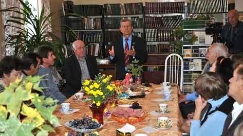 В семилукском клубе любителей литературы отметили 120-летие со дня рождения Сергея Есенина