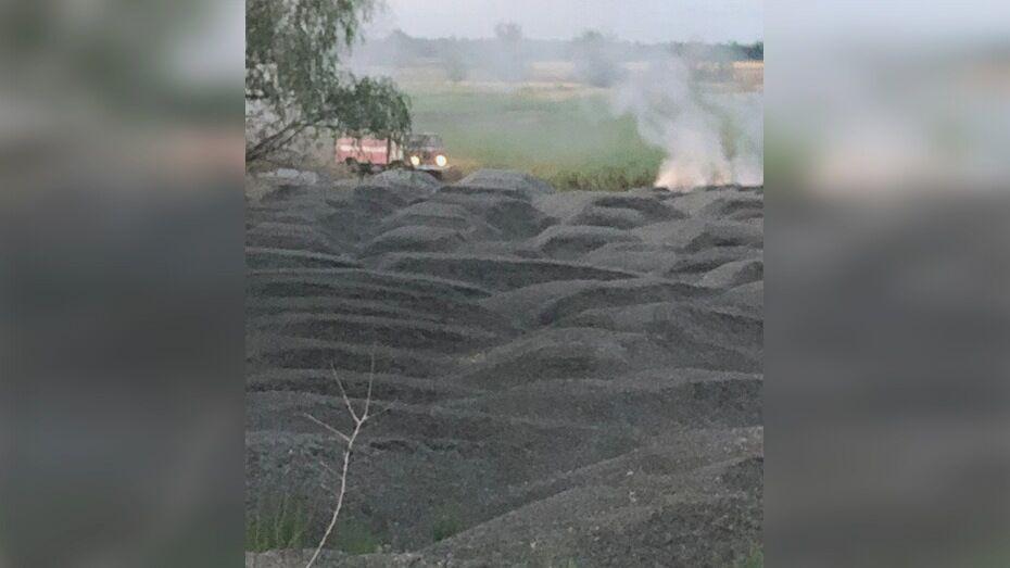 В Борисоглебске на полигоне фермера намеренно подожгли сельхозотходы