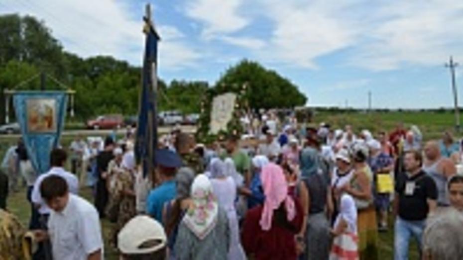В Острогожском районе паломники в пятый раз прошли Крестным ходом