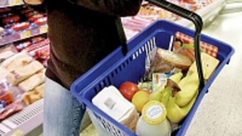 В Воронеже поймали водителя машины класса люкс, укравшего еду из магазина