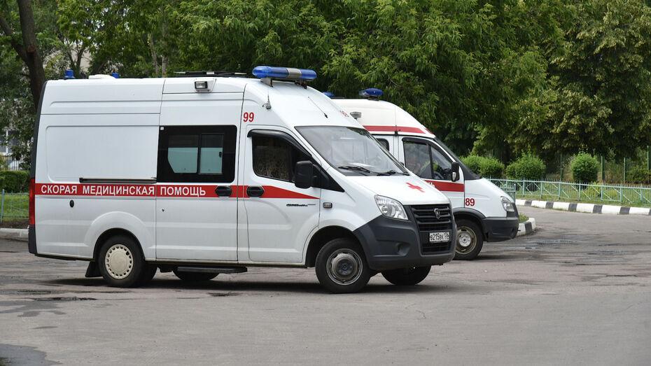 Под Воронежем разбился насмерть 20-летний мотоциклист: пассажирку госпитализировали