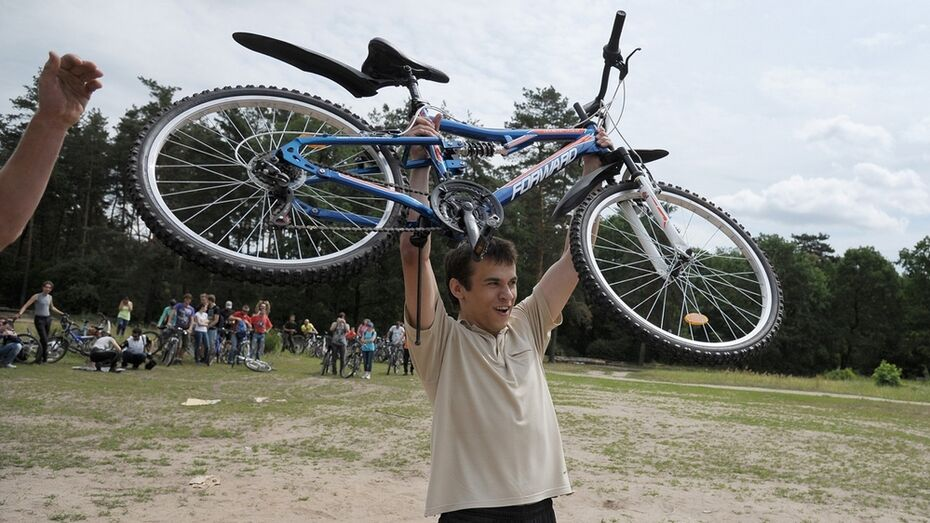 В Воронеже на велопробеге Победы разыграют «губернаторский» велосипед