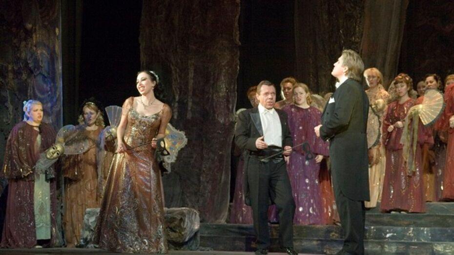 Театр оперы и балета впервые исполнит «Травиату» на языке оригинала