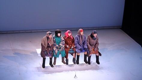 Молодые актрисы театра «Практика» играли на Платоновском «Бабушек»