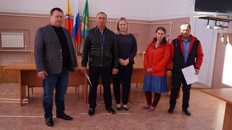 В Петропавловском районе 2 многодетные семьи получили жилищные сертификаты