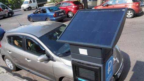 Воронежцам в июне начнут приходить первые штрафы за парковку